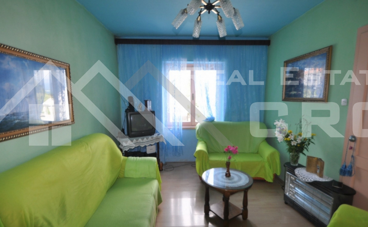Two bedroom flat for sale on a peaceful location in Sinj