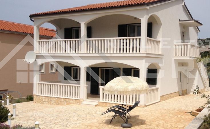 Kuća na jako atraktivnoj lokaciji, na prodaju, Primošten