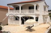 PR357, Kuća na jako atraktivnoj lokaciji, na prodaju, Primošten