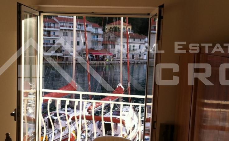 Kuća s prekrasnim pogledom na more, na prodaju, Šolta (4)