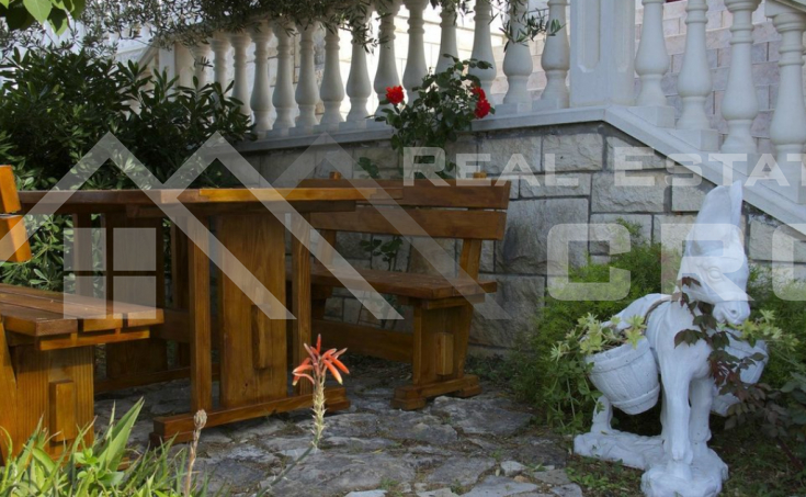 Residential-business object in the second row to the sea for sale, Splitska, island of Brac