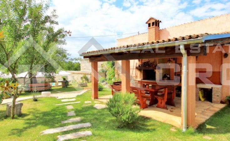 Luksuzna vila s bazenom na prodaju, Istra (14)
