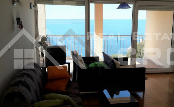 Apartment with a beautiful sea view, 2nd row to the sea, Ciovo