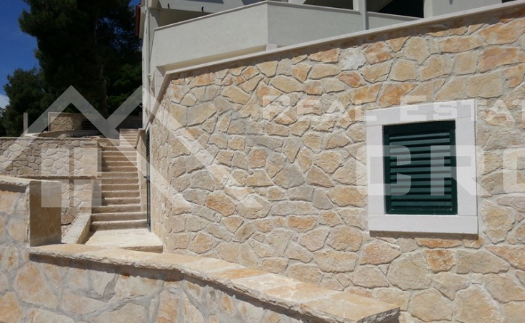 Luxurious villa with a swimming pool, Milna, Brac (2)