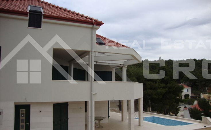 Luxurious villa with a swimming pool, Milna, Brac (9)
