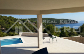 Luxurious villa with a swimming pool, Milna, Brac (4)