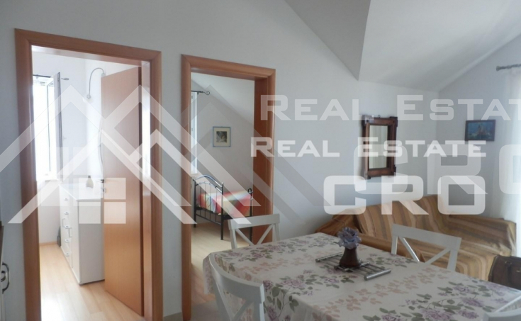 Apartment with sea view in very attractive location in Supetar