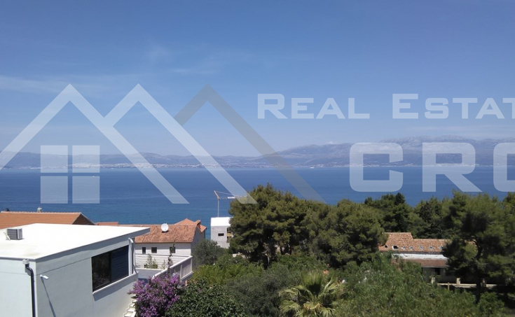 Two bedroom apartment with beautiful sea view, for sale in Sutivan, Brac