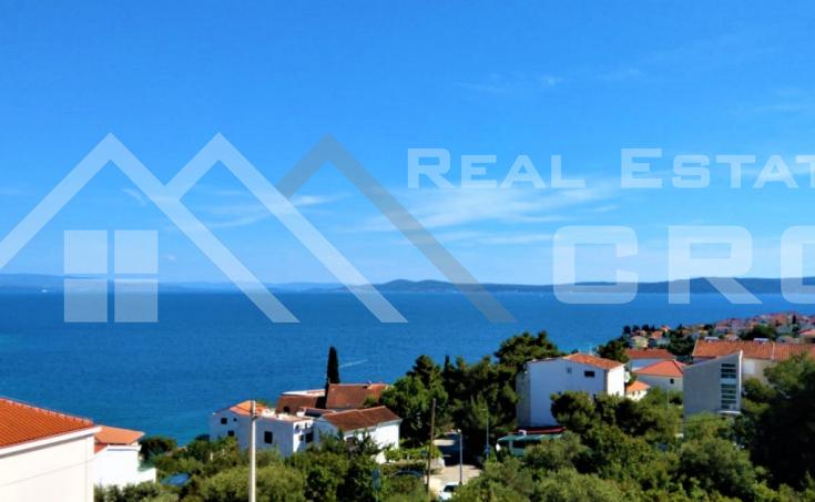 Nekretnine Ciovo - Prodajemo stan s prekrasnim pogledom na more