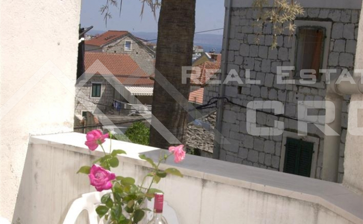Renovated stone house for sale in attractive part of Split