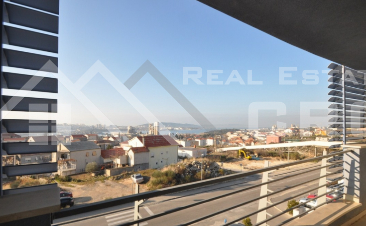 Four bedroom flat wit nice view for sale in Solin