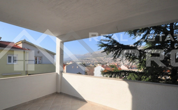 Spacious three bedroom apartment for sale in Solin