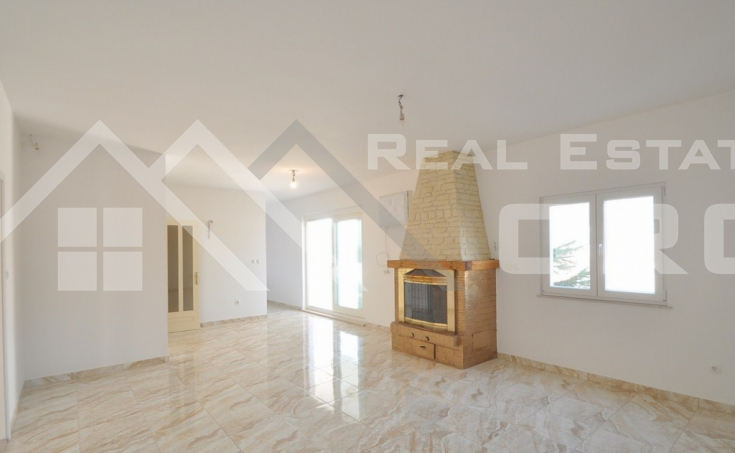 Thee bedroom apartment for sale in Solin (3)