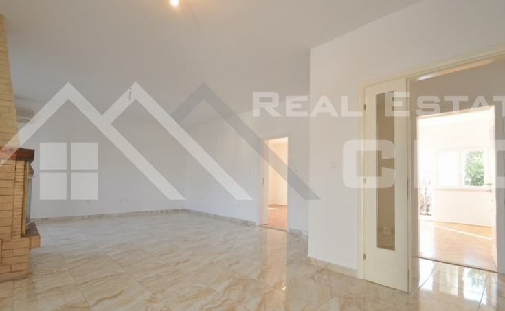 Thee bedroom apartment for sale in Solin (6)