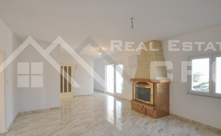 Thee bedroom apartment for sale in Solin (8)