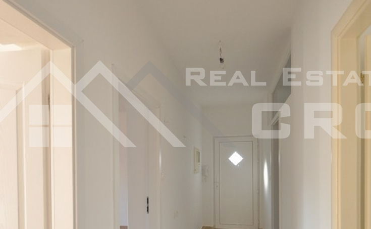 Thee bedroom apartment for sale in Solin (9)