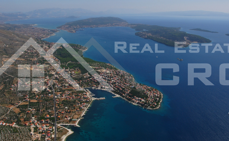 House for sale with courtyard and sea view, surroundings of Trogir (10)