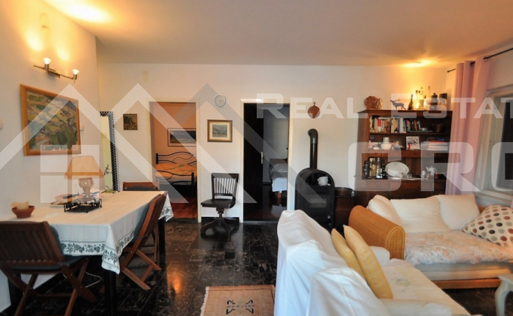 House for sale with courtyard and sea view, surroundings of Trogir (7)