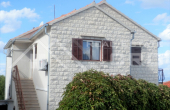 BR254,   Detached house with a garden and a nice sea view for sale, Splitska, Brač