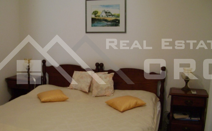 Detached house with beautiful garden and seaview for sale, Brac (12)