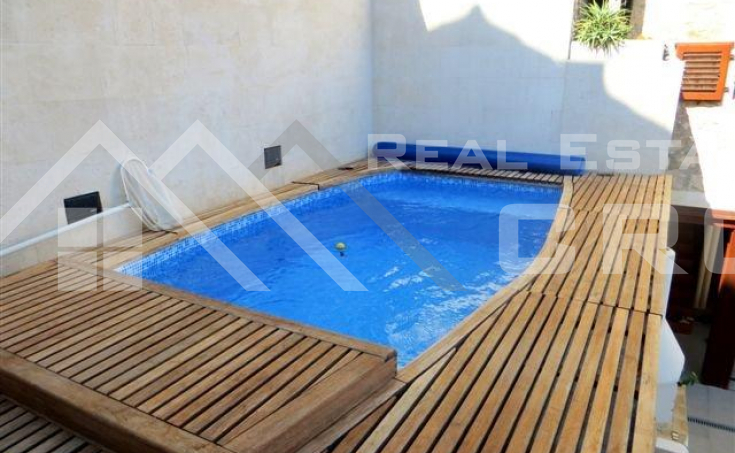 Renovated stone house for sale in the centre of Hvar (6)
