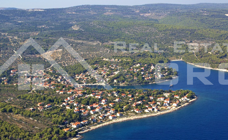 Building plot for sale, 2nd row to the sea, Brac