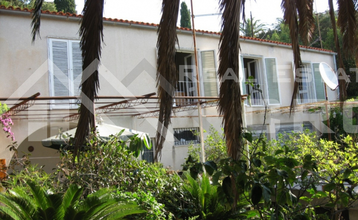 Sea frontline house for sale, Ciovo (1)