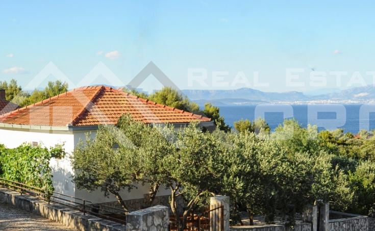 Kuća  na prodaju u mjestu Rogač na otoku Šolti (7)