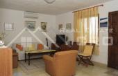 Kuća  na prodaju u mjestu Rogač na otoku Šolti (3)