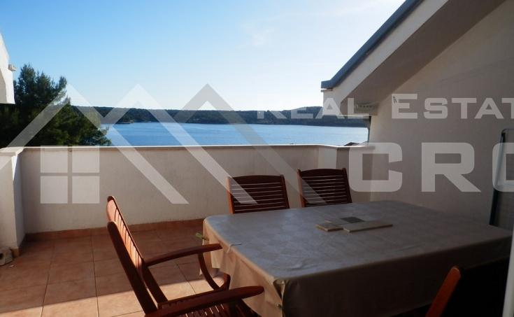 Apartman s prekrasnim pogledom na more, na prodaju, Milna, otok Brač