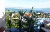 Apartment with a sea view and a swimming pool in Supetar (1)