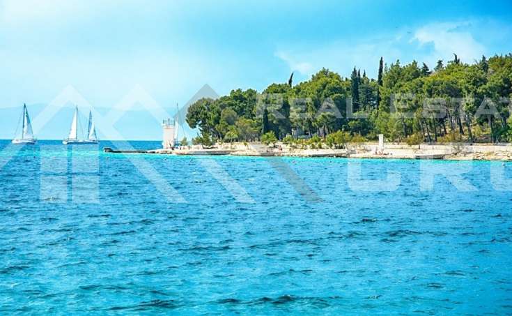 Apartment for sale, extremely attractive location in Milna, Brac island