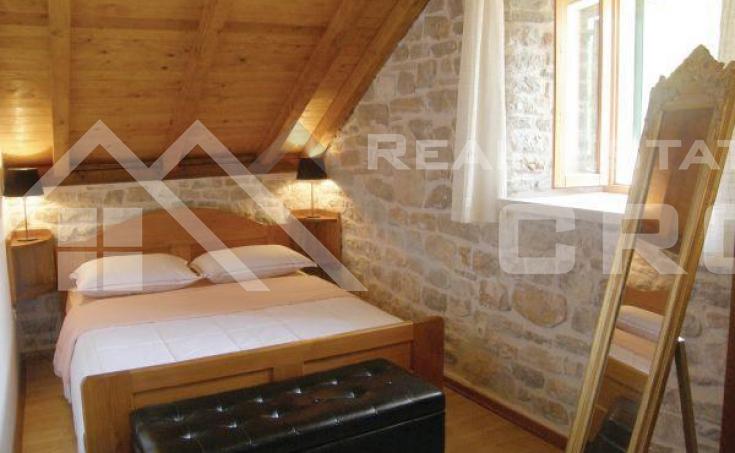 Stone villa in a very attractive location for sale, Solta island (4)