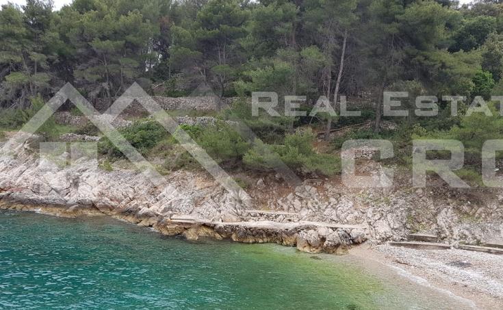 Stone villa in a very attractive location for sale, Solta island (8)