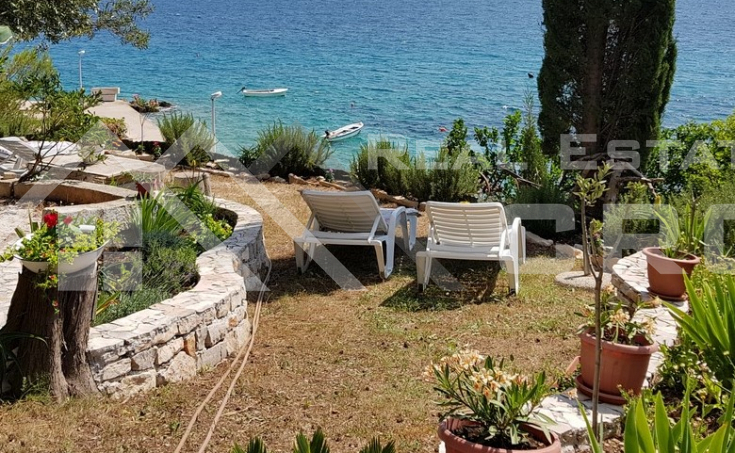 House in the first row to the sea for sale, Brac island (4)