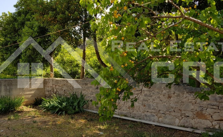 Stone house with garden and sea view for sale, Brac Island, Bol  (1)
