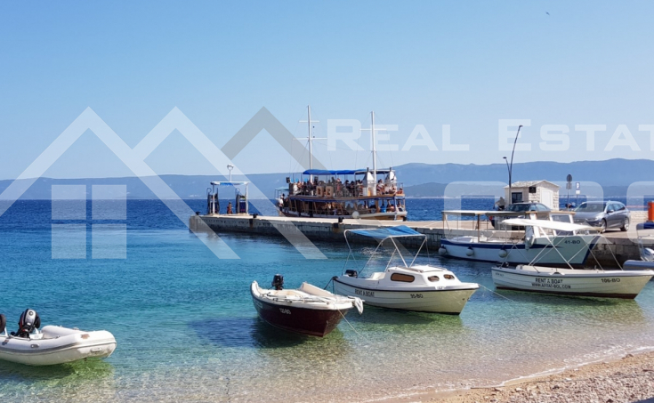 Stone house with garden and sea view for sale, Brac Island, Bol  (9)
