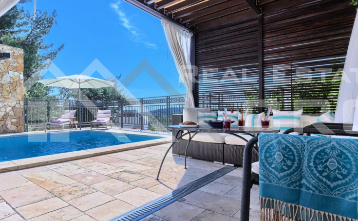 Luxurious villa with a beautiful sea view for sale, Brac island