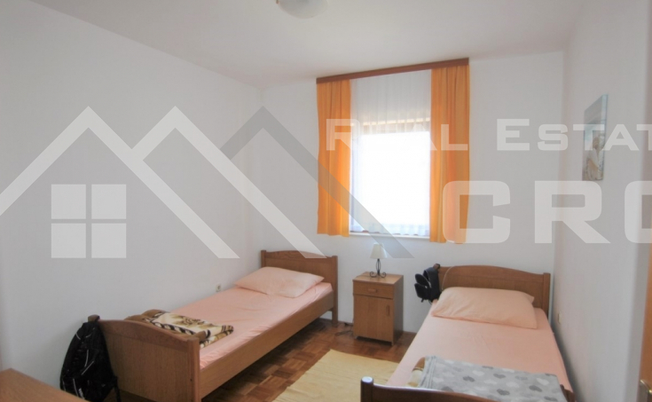 Two-bedroom apartment in a very attractive location for sale, Supetar, Brac island (3)