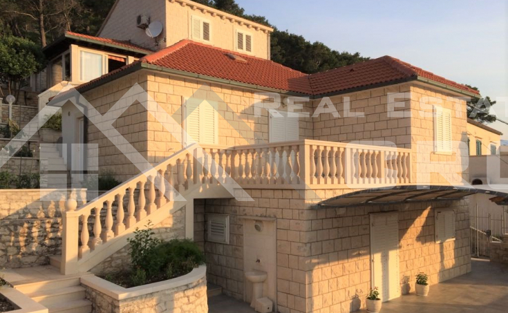House with garden in Pucisca, Brac island, for sale (4)