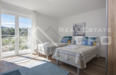 Luxurious villa with swimming pool and a sea view for sale, vicinity of Trogir (6)
