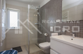 Luxurious villa with swimming pool and a sea view for sale, vicinity of Trogir (7)