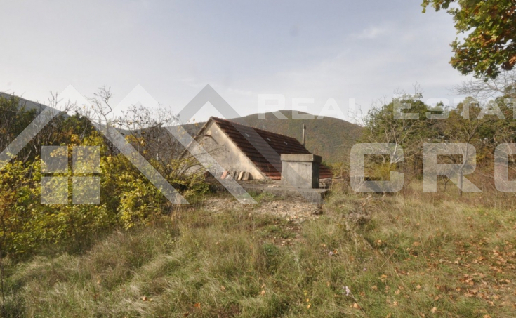 Old stone house with a garden for sale, Radosic, Sinj (5)