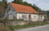 Old stone house with a garden for sale, Radosic, Sinj (6)