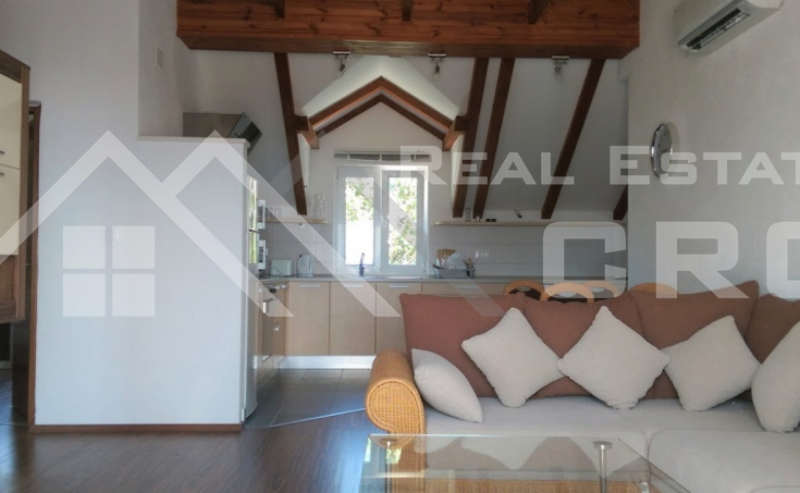 Apartment with a beautiful sea view for sale, Brac island