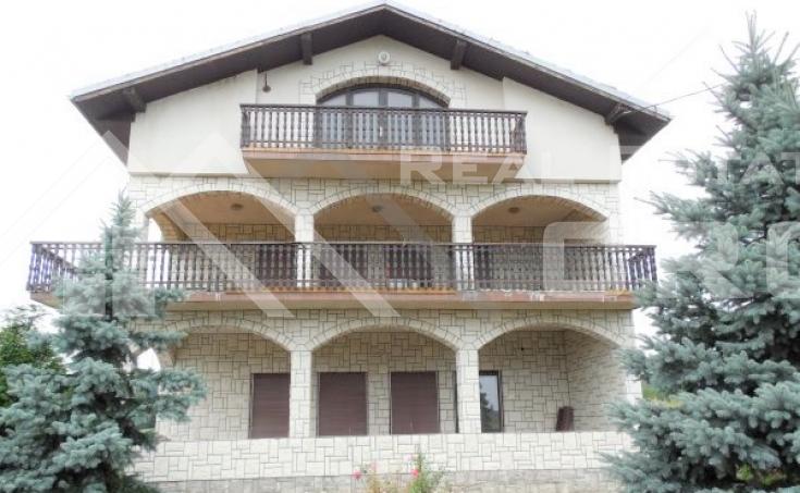 Stambeno-poslovni objekt na vrlo atraktivnoj lokaciji u Karlovcu na prodaju (2)