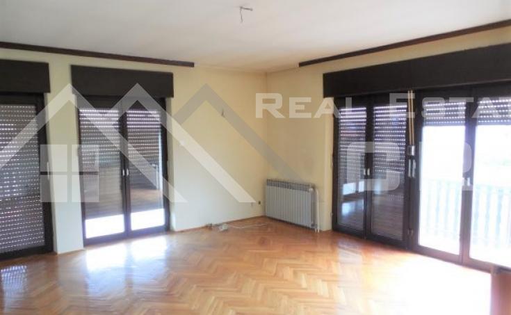 Stambeno-poslovni objekt na vrlo atraktivnoj lokaciji u Karlovcu na prodaju (8)