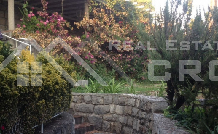 Attractive stone house with a sea view for sale, Kolocep  (1)