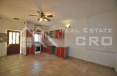 Stone house in block, for sale, Brac  (11)