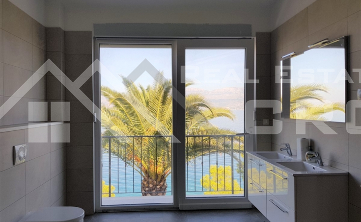 Newly built villa in the first row to the sea for sale, Brac island (5)
